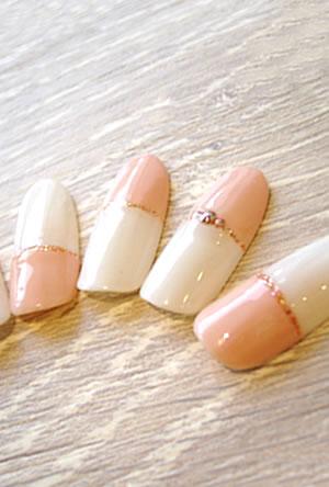 ミルキーホワイト×ピンクベージュの シンプル冬Nail☆